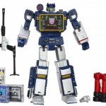 Transformers-Masterpiece-Soundwave-2