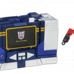 Transformers-Masterpiece-Soundwave-3